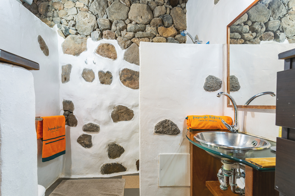 Eco Casita ensuite shower room
