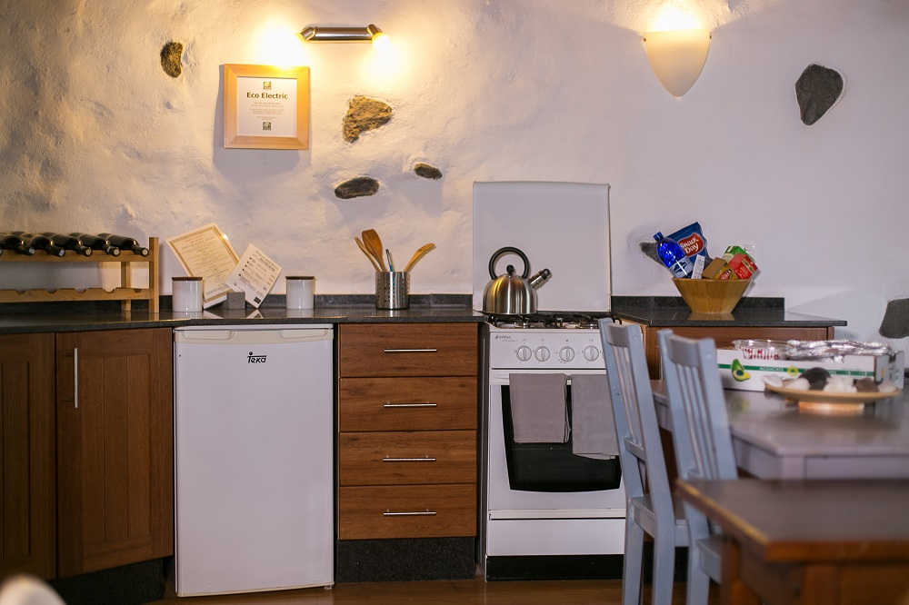Eco Garden Cottage kitchen