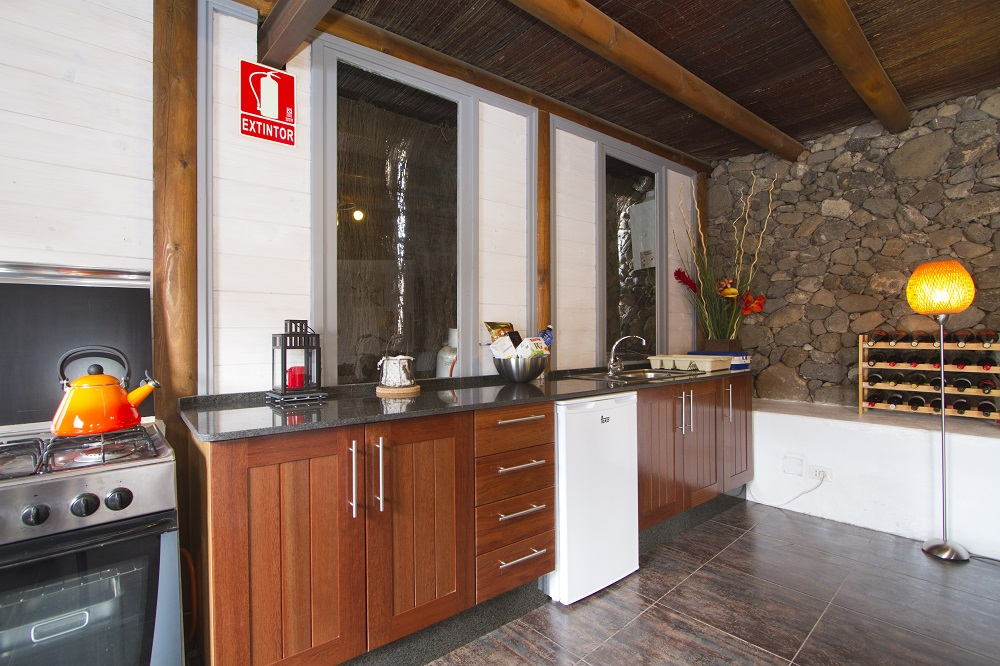 Eco Lodge kitchen
