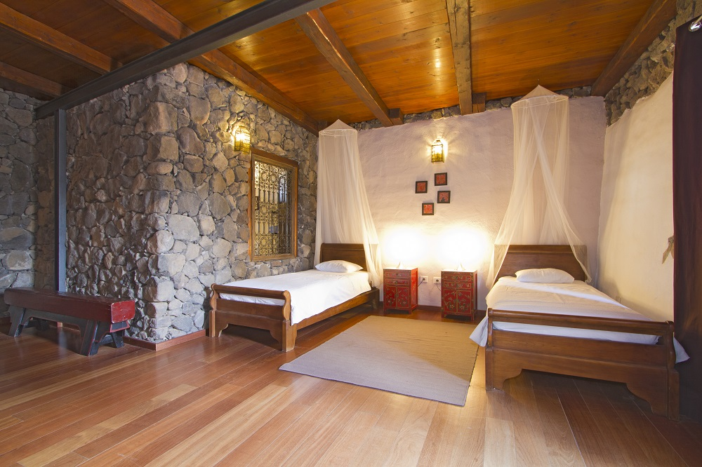 Eco Luxury Villa twin bedroom