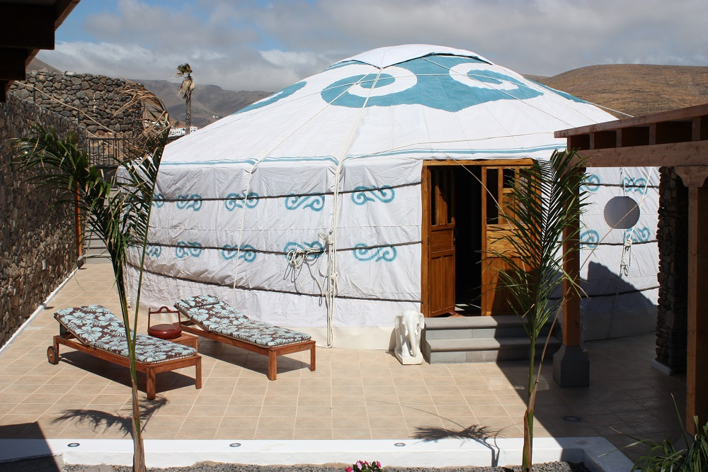 Eco Yurt Royale outside