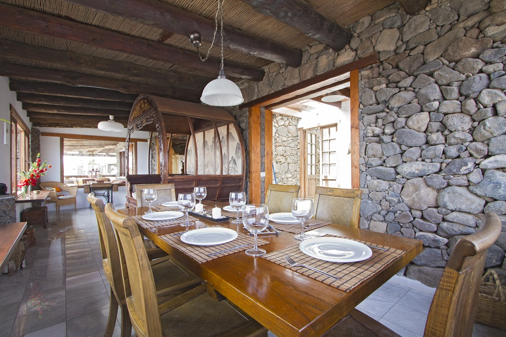 Eco Luxury Farmhouse dining area