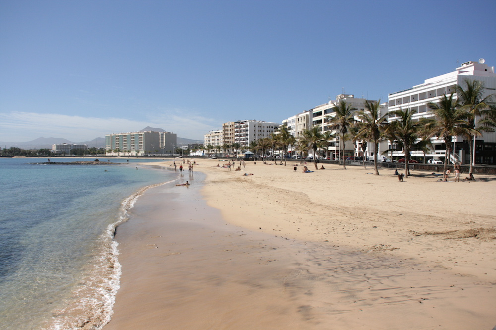 Arrecife Sands in modern building shown to the left