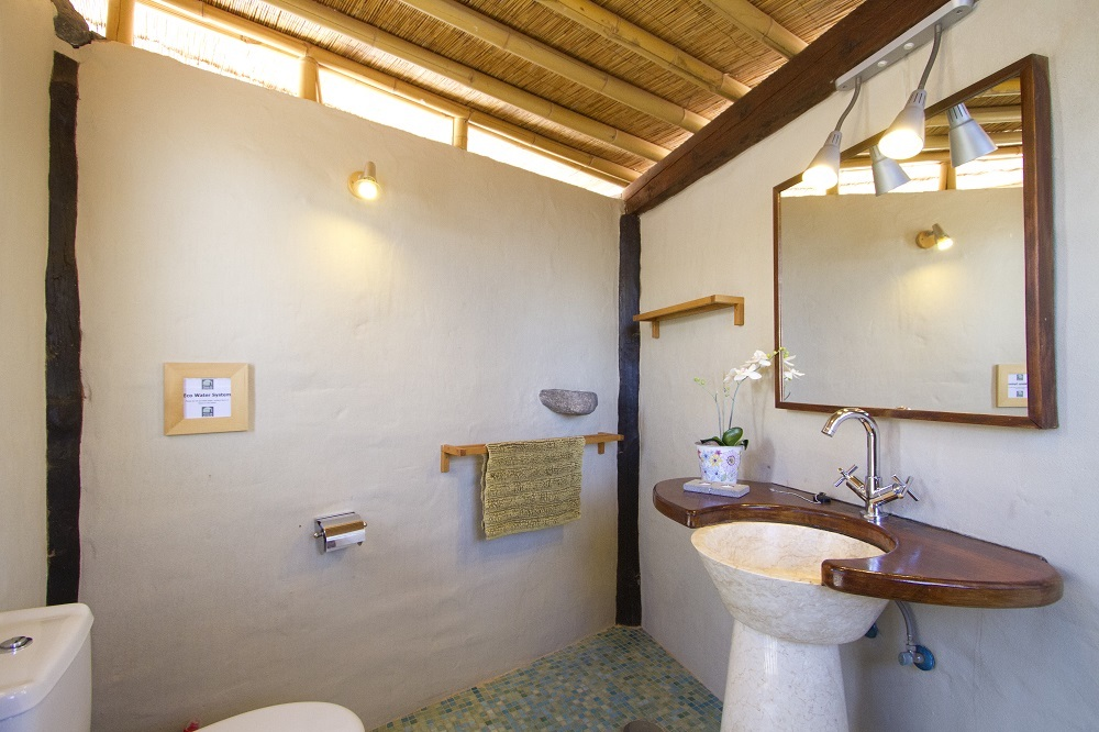 Eco Yurt Private Shower Room