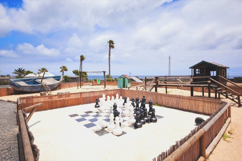 Playpark giant chess Finca de Arrieta
