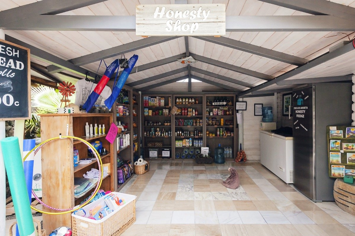 Finca de Arrieta Honesty Shop
