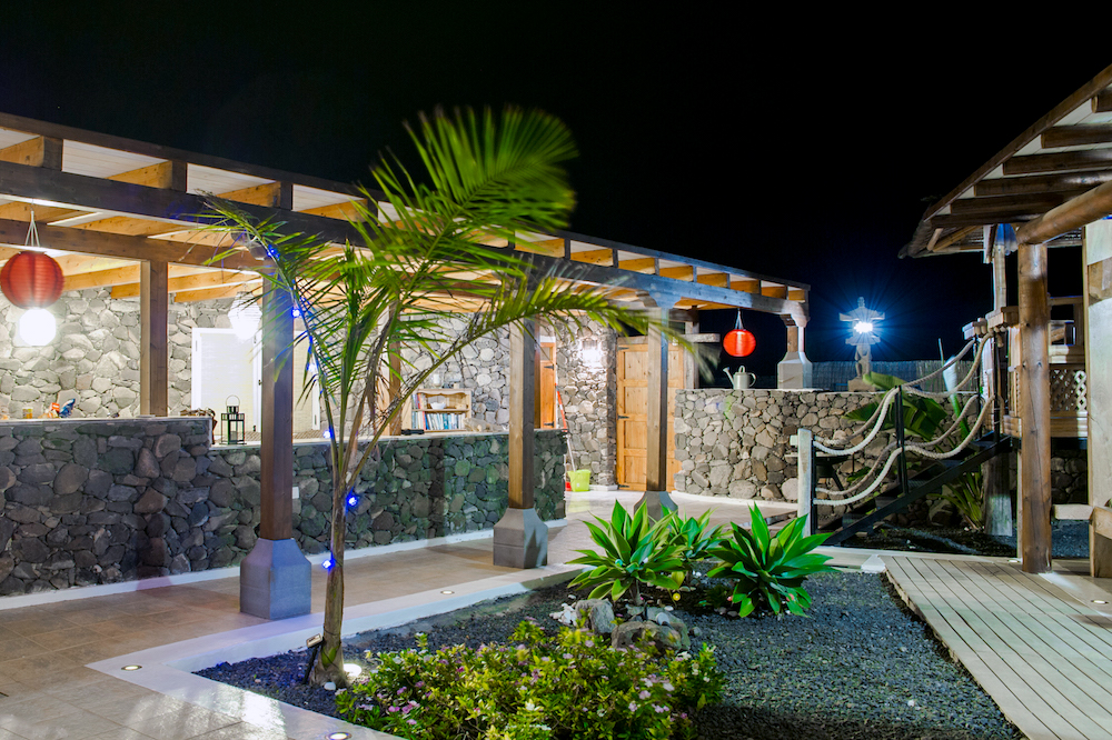 Eco Yurt Royale Private Garden At Night