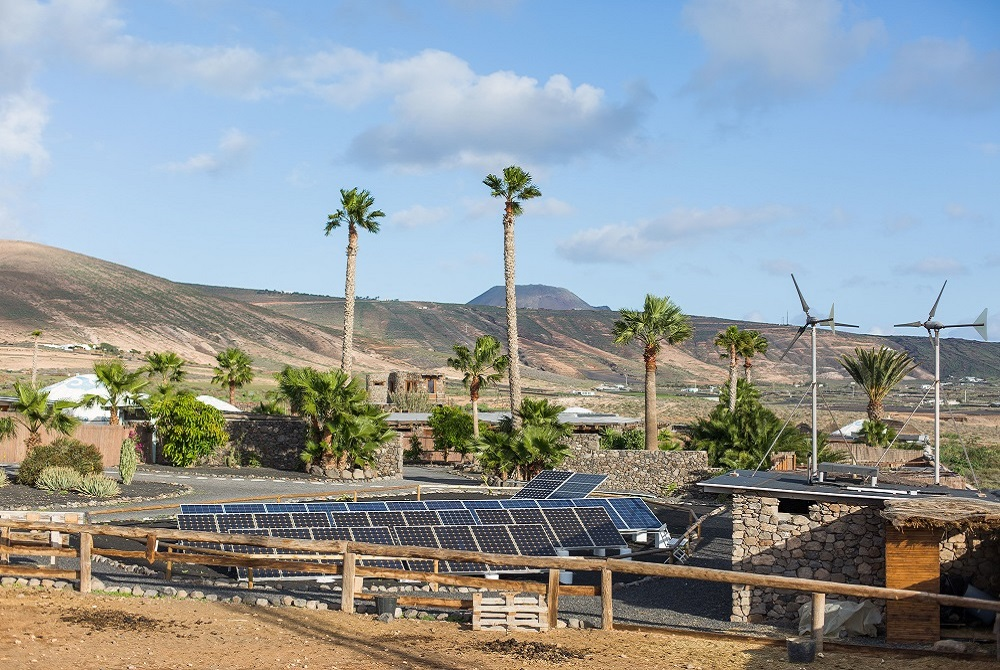 Solar and wind power Finca de Arrieta