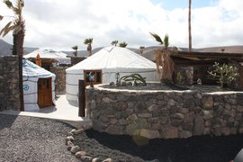 Twin_yurt_June__09_004_jpg_270x180_q85