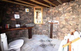 twin_yurt_showerroom_jpg_270x180_q85