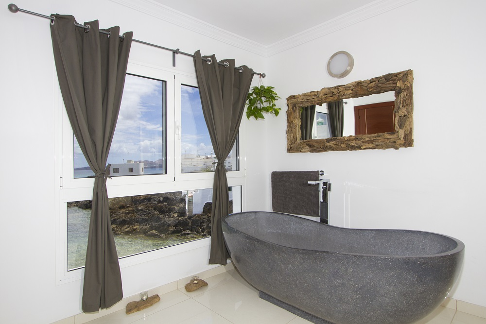 Driftwood Master bedroom bath