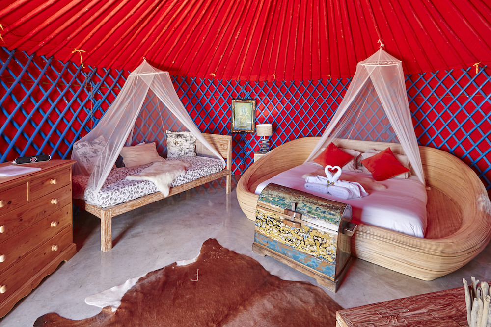 Palacio yurt bedroom with super king size  and single bed