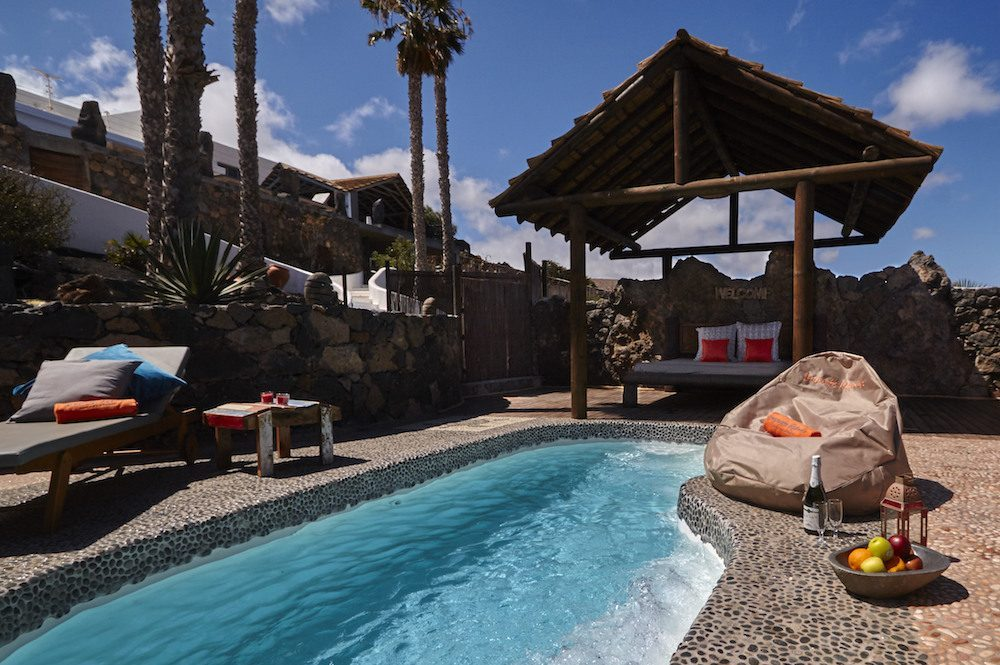 Solar heated private plunge pool, relax and enjoy!