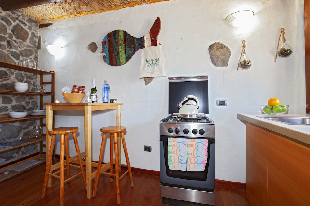 Eco Surf Shack kitchen